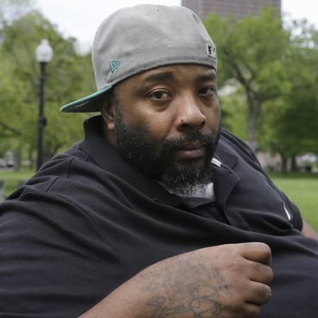Emory Ellis ficou três meses preso injustamente Foto: Steven Senne / AP