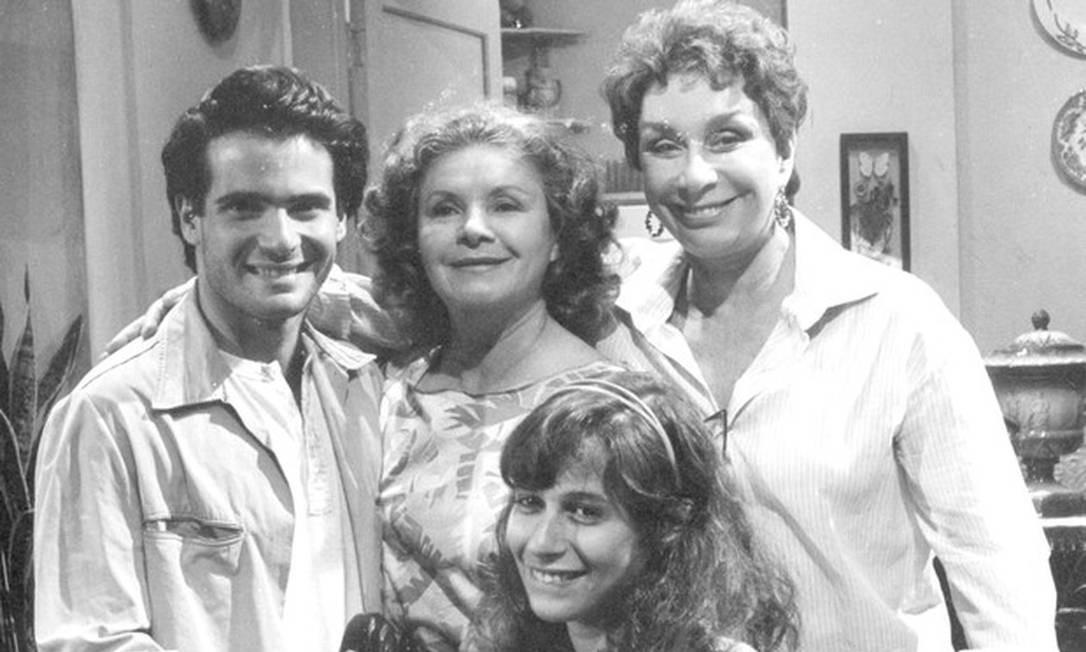 Lauro Corona, Eloísa Mafalda, Renata Fronzi e Andréa Beltrão na novela 'Corpo a corpo' (1984) Divulgação/TV Globo