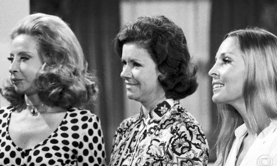 Em cena com Célia Biar e Irene Singery em 'A próxima atração' (1970) Foto: Reprodução/Memória Globo