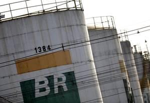 Preço dos combustíveis nas refinarias sehue em alta Foto: Ueslei Marcelino / Reuters