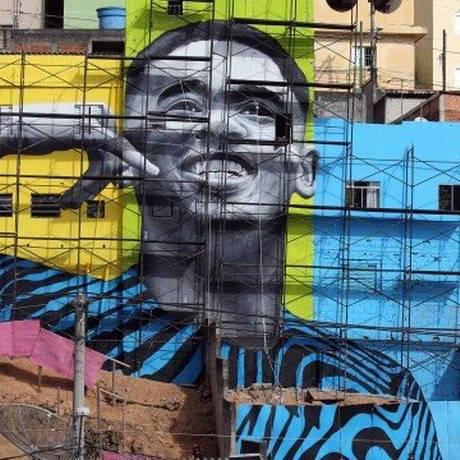 Gabriel Jesus é homenageado no bairro onde cresceu Foto: Reuters