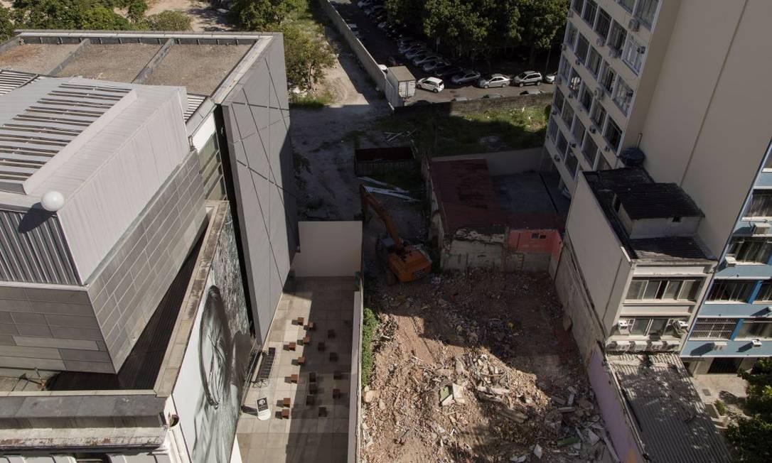 Empreendimento com mais de 400 apartamentos está sendo construído no Flamengo Foto: Léo Martins / Agência O Globo