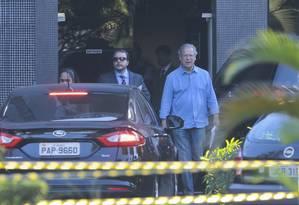 O ex-ministro José Dirceu, deixa a superintendência da Polícia Federal em Brasília Foto: Jorge William / Agência O Globo 07/06/2017