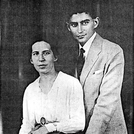 Kafka com a noiva, Felice Bauer Foto: Arquivo
