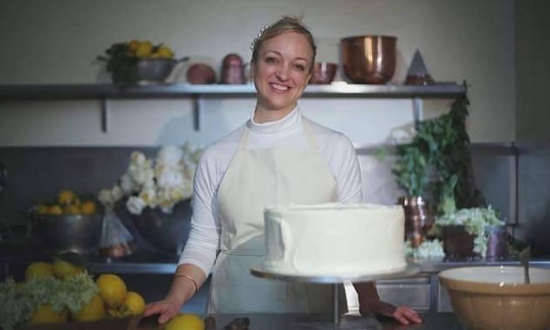 Chefs e confeiteiros comentam a simplicidade do bolo real