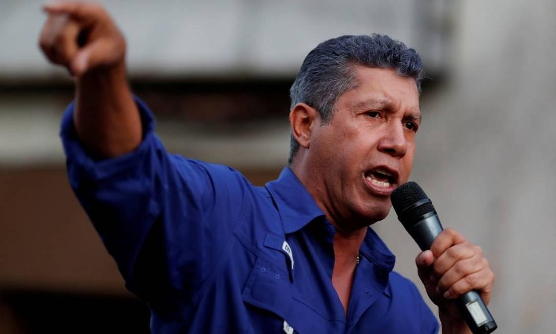 Candidato à Presidência na Venezuela, Henri Falcón fala a apoiadores em Caracas Foto: Carlos Garcia Rawlins / REUTERS
