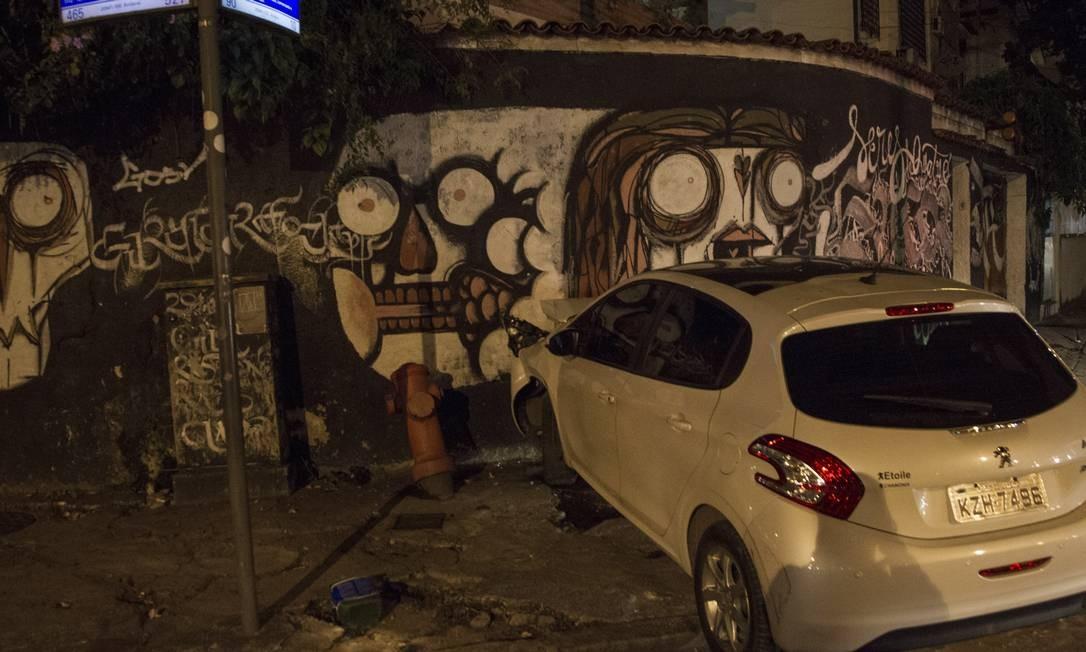 Duas pessoas são feridas por balas perdidas durante confronto no Andaraí