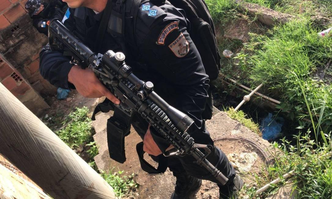 Forças de segurança fazem operação em comunidades da Praça Seca
