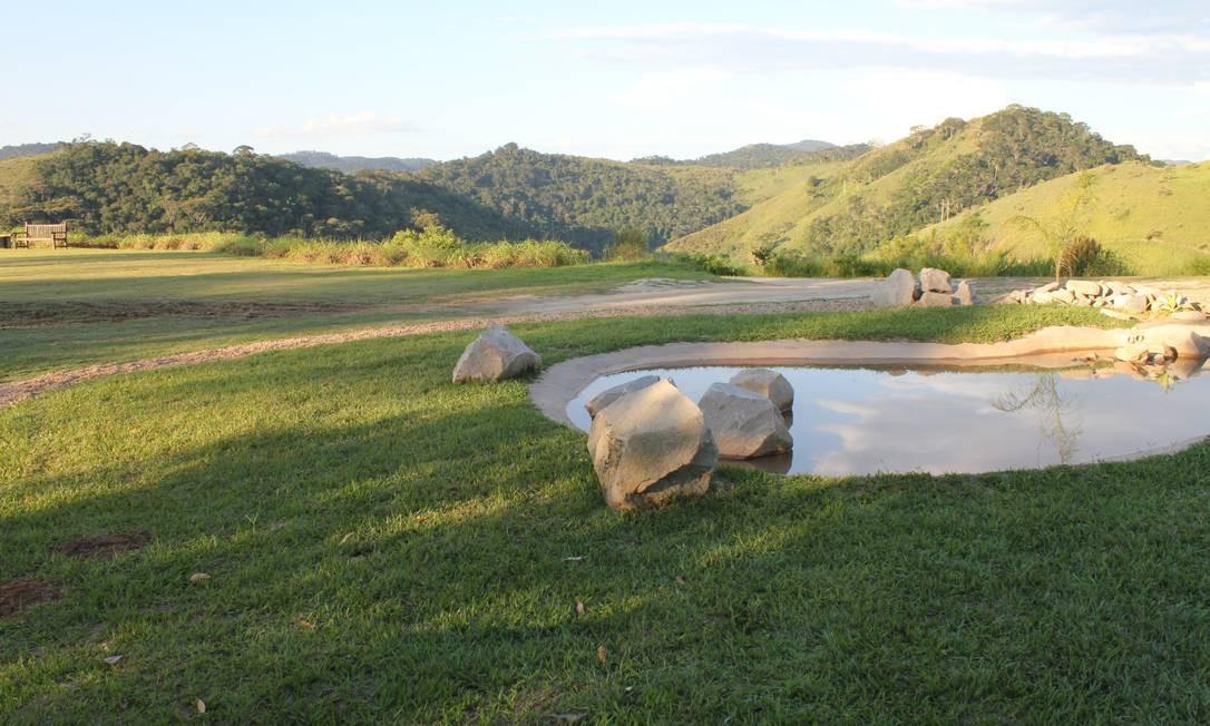 O Jardim Uaná Etê conta com cinco grandes gramados que servem para o visitante descansar ou fazer piquenique Foto: Ana Beatriz Marin / Agência O Globo