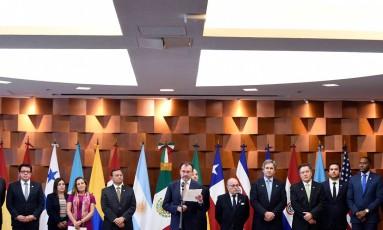 Representantes dos países que compõem o Grupo de Lima em reunião na Cidade do México Foto: ALFREDO ESTRELLA / AFP