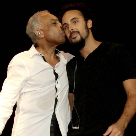 Gilberto Gil participa do show dirigido por Bem Foto: Divulgação/André Muzell / AgNews