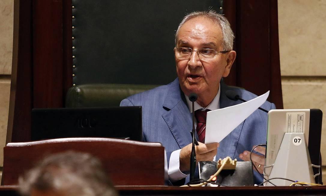 O presidente da Camara dos Vereadores, Jorge Felippe (MDB) em sessão na Câmara Foto: Marcos de Paula 22-12-2017 / Agência O Globo