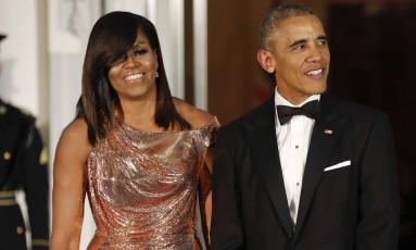 Barack Obama e Michelle Obama: casal vai produzir séries e filmes para a Netflix Foto: Pablo Martinez Monsivais / AP