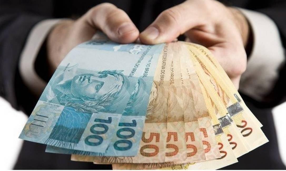 Pesquisa aponta que 96,1% dos brasileiros preferem pagar com dinheiro em  espécie - Jornal O Globo