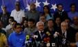 Omar Barboza, presidente da Assembleia Nacional e membro da Frente Ampla, fala a jornalistas um dia após resultado: agendas diferentes Foto: CARLOS JASSO/REUTERS