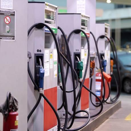 Posto de combustível na Avenida Radial Oeste, Tijuca. Foto: Roberto Moreyra / Agência O Globo