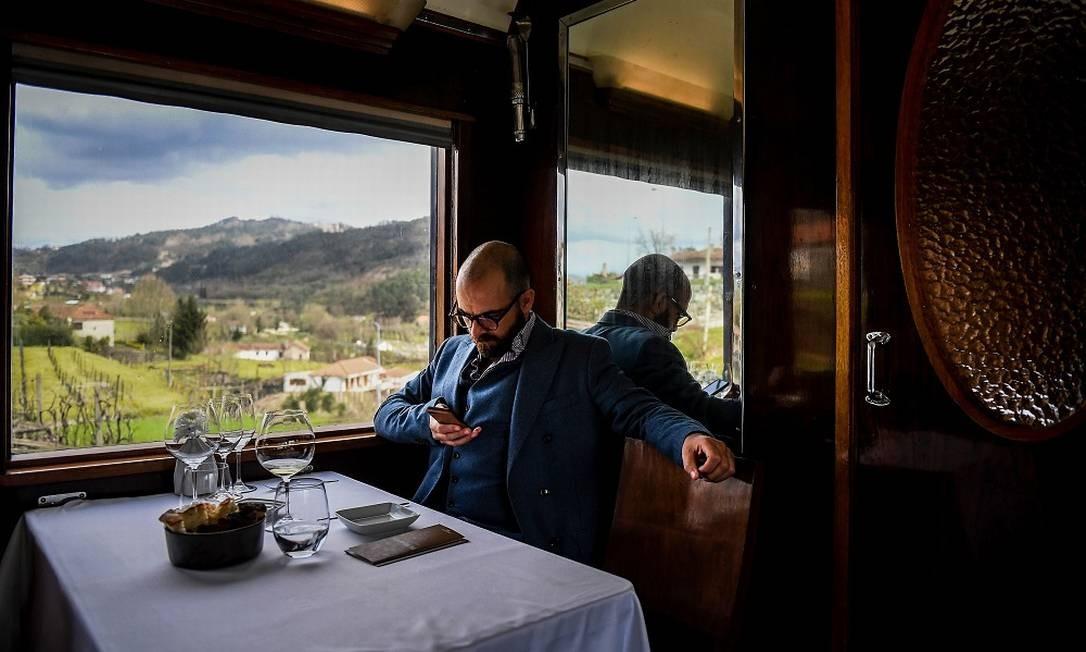 Gonçalo Castelo-Branco, o empresário que se apaixonou ao ver a composição no Museu Nacional Ferroviário e decidiu colocá-lo de volta nos trilhos Foto: PATRICIA DE MELO MOREIRA / AFP