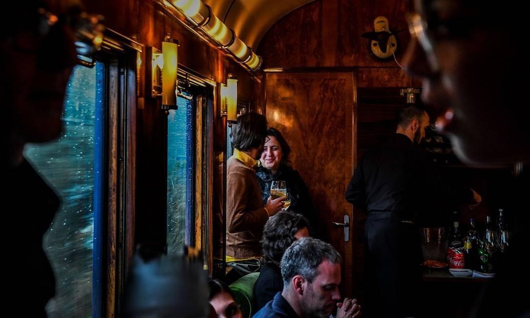 Além de chefes de estado portuguese, a composição transportou passageiros ilustres, como a rainha Elizabeth II e o papa Paulo VI, até sair de atividade, em 1970 Foto: PATRICIA DE MELO MOREIRA / AFP