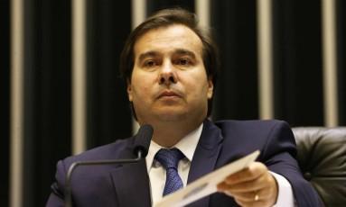 O presidente da Câmara, Rodrigo Maia, no plenário Foto: Givaldo Barbosa/Agência O Globo/25-04-2018