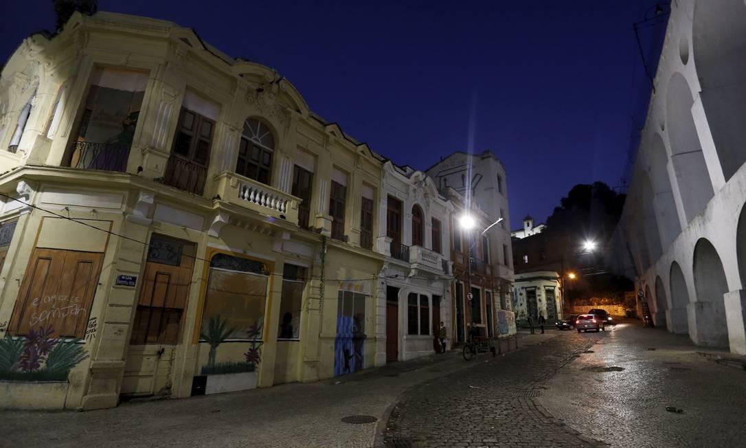 A degradação da Lapa é o retrato atual da antiga boemia Foto: Marcelo Theobald / Agência O Globo