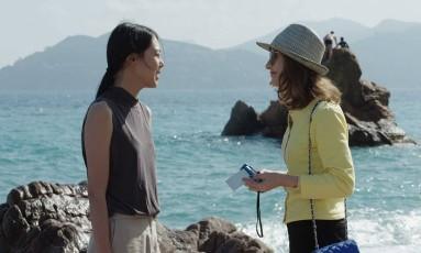 Cena do filme 'A câmera de Claire' com Min-hee Kim e Isabelle Huppert Foto: Divulgação