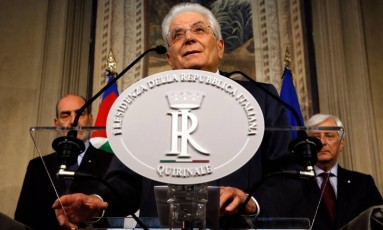 Presidente italiano Sergio Mattarella deve aceitar primeiro-ministro para que Itália possa formar governo Foto: Alessandro Bianchi / REUTERS