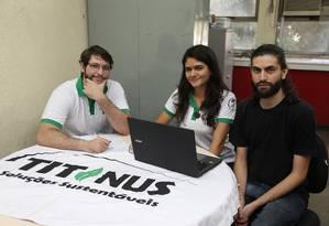 Titanus Soluções Sustentáveis. Empresa júnior conta com 18 alunos e oferece serviços como os estudos de viabilidade ambiental Foto: Pedro Teixeira / Agência O Globo