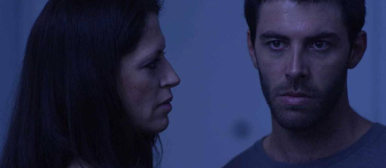 Clara Choveaux e Pedro Sodré em cena do filme 'Rio Mumbai' Foto: Felipe Fittipaldi / Divulgação