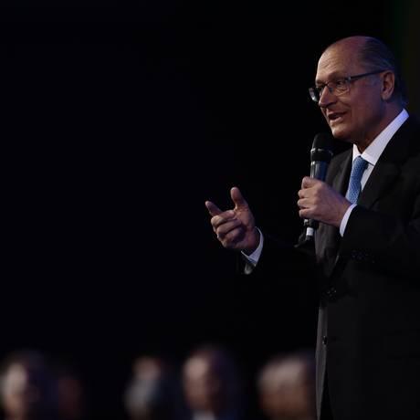 O pré-candidto do PSDB à Presidência, Geraldo Alckmin, durante da Marcha dos Prefeitos Foto: Jorge William / Agência O Globo