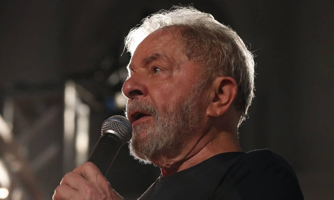 O ex-presidente Lula participa de ato em Curitiba Foto: Marcos Alves/Agência O Globo/28-03-2018