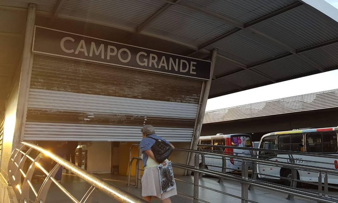 Estação fechada do BRT em Campo Grande Foto: Rafael Nascimento / Agência O Globo