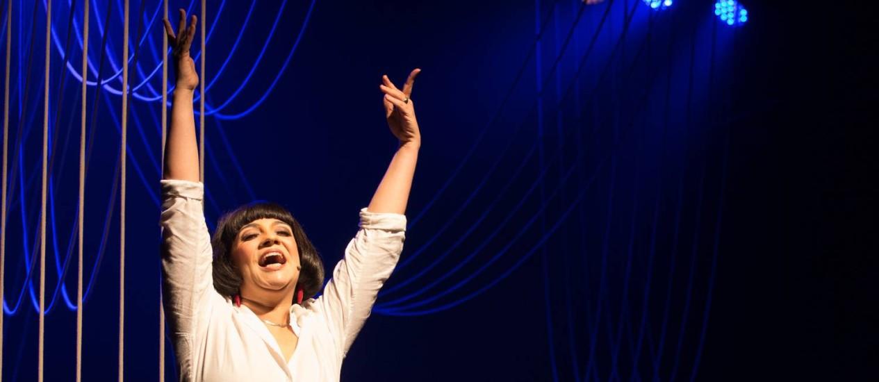 Aline Carrocino interpreta a cantora Nara Leão Foto: Janderson Pires / Divulgação/Janderson Pires