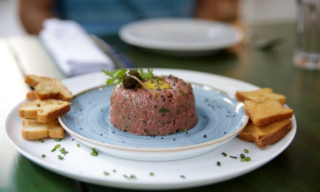 Churrasqueira. Steak tartare clássico (R$ 42). Rua Vinicius de Moraes 130, Ipanema (3689-1009) Márcio Brigatto / Divulgação