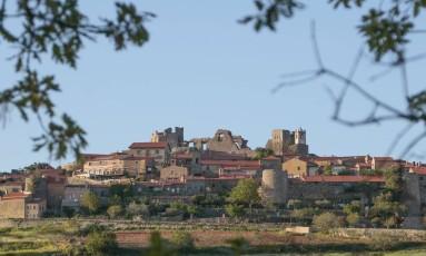 Que beleza. Vista de Castelo Rodrigo, na região central do país Foto: Kirilos / fotos de pedro kirilos