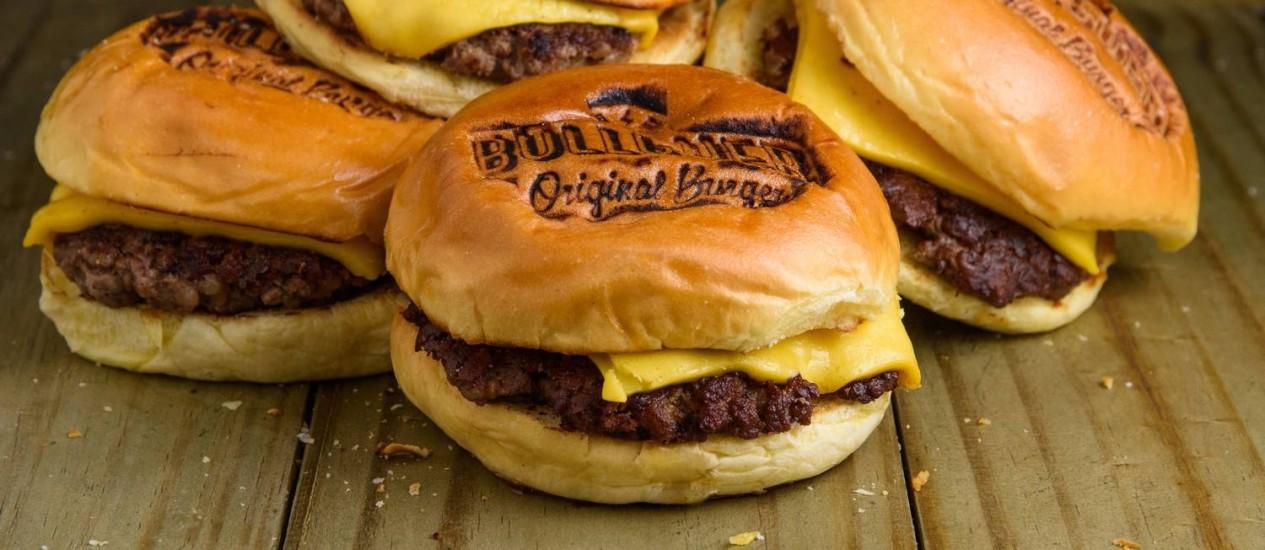 Bullguer: sanduíches com preços especiais no dia do Hambúrguer Foto: Lucas Terribili / Divulgação