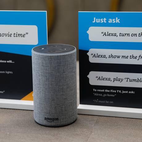 """A assistente virtual da Amazon é ativada quando os microfones detectam a palavra """"Alexa"""" Foto: Elijah Nouvelage / REUTERS"""