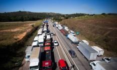 Greve dos caminhoneiros em Juatuba, Minas Gerais Foto: MOISES SILVA / O TEMPO 23-05-2018 / Agência O Globo