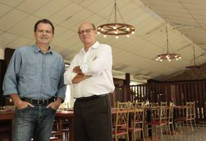 Roberto Turnes e Johnny Cavalaro inauguraram o La Pietra há aproximadamente um mês Foto: Brenno Carvalho