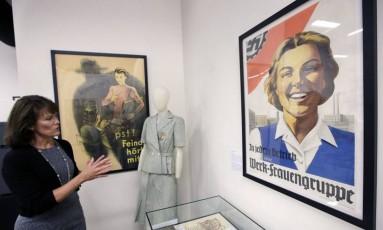 Acerto da exposição sobre papel das mulheres durante a Segunda Guerra Mundial Foto: AP Photo/Steven Senne