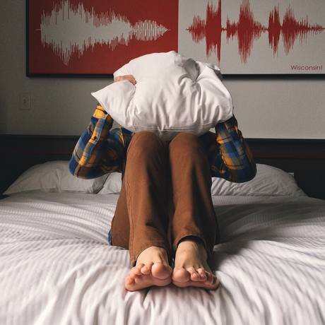 Barulhos e som alto estão entre os principais problemas que geram conflitos entre vizinhos Foto: Pixabay