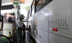 Empresas de ônibus recorreram a postos para abastecer suas frotas Foto: Uanderson Fernandes / Agência O Globo