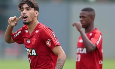 Lucas Paquetá está na lista de suplentes de Tite Foto: Gilvan de Souza