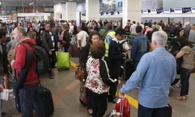 Aeroporto Internacional Juscelino Kubitschek, em Brasília, com filas, atrasos e cancelamentos de voos Foto: Givaldo Barbosa / Agência O Globo