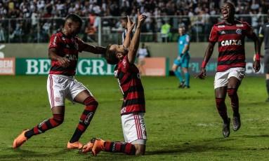 Everton Ribeiro comemora o gol da vitória do Flamengo Foto: Giazi Cavalcante/Código19 / Agência O Globo