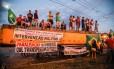Manifestantes pedem a renúncia do presidente Michel Temer Foto: Barbara Lopes / Agência O Globo