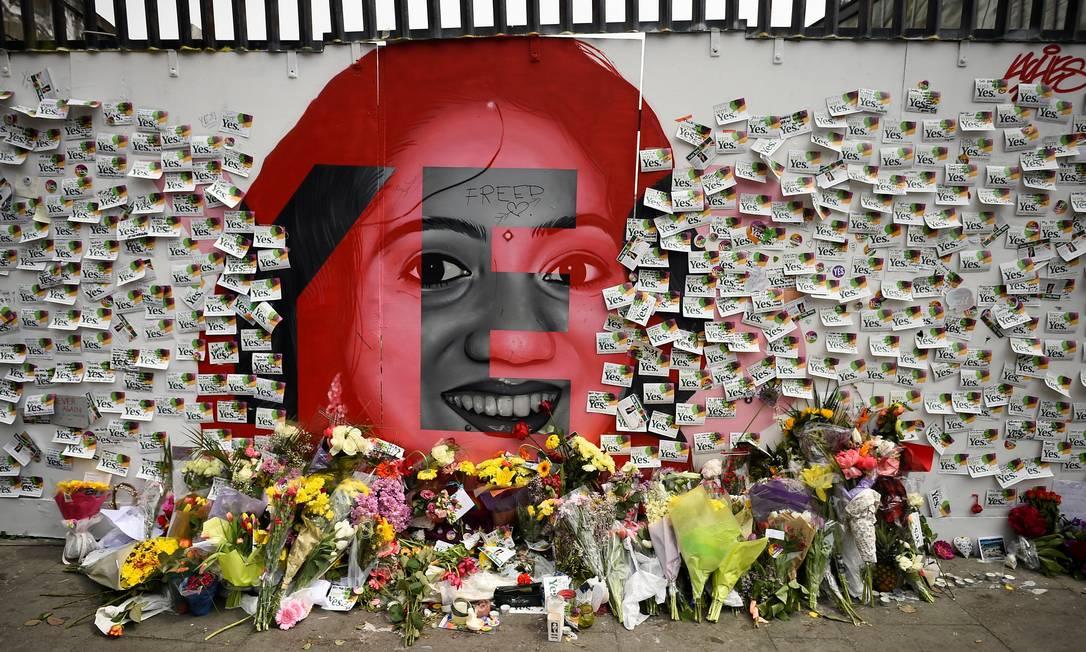 Memorial em homenagem a Savita Halappanava foi montado em Dublin Foto: CLODAGH KILCOYNE / REUTERS