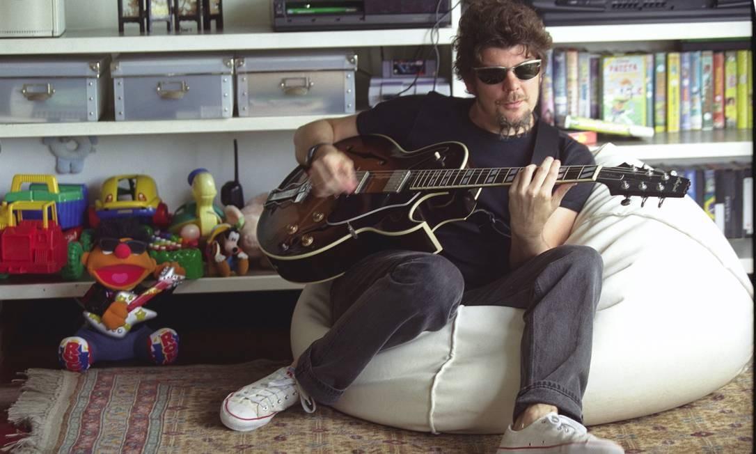 24.11.2000 - Jorge William - RI - PESSOAS - Branco Mello , dos Titãs, que esta fazendo um musical infantil - 09268Num=2000112413401096; Foto: Jorge William