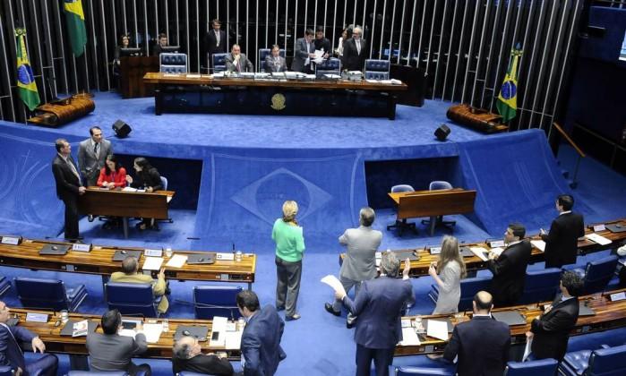 Resultado de imagem para Senado aprova regime de urgência para projeto que zera PIS-Cofins sobre o diesel