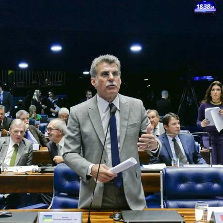 O senador Romero Jucá (MDB-RR) discursa no plenário Foto: Roque de Sá / Roque de Sá/Agência Senado