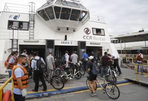 Barca que faz a travessia Arariboia-Praça Quinze Foto: Fábio Guimarães / Agência O Globo/Arquivo